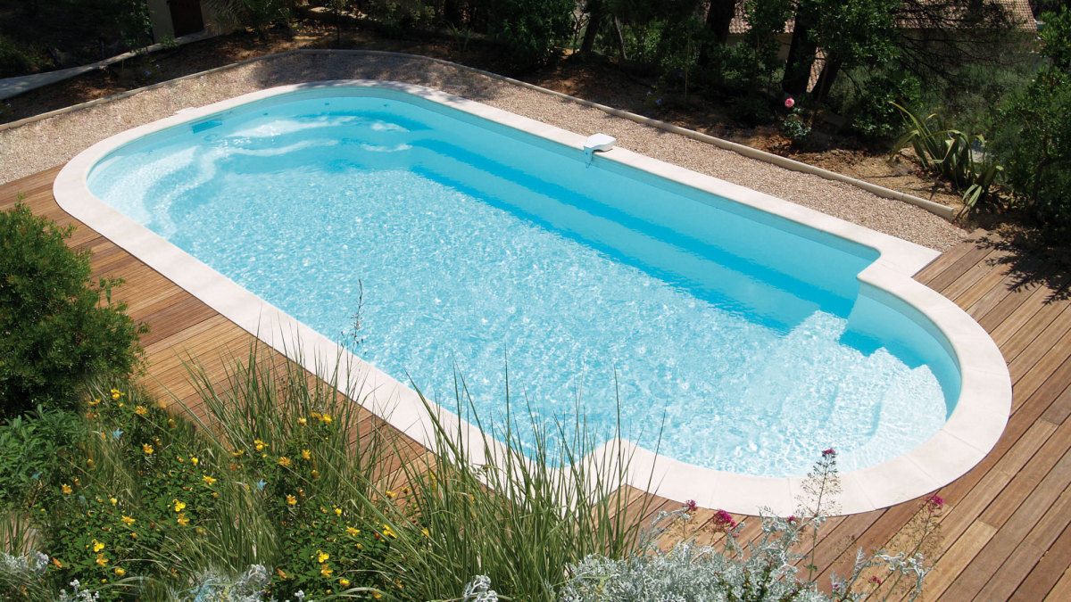 Votre sp cialiste piscine coque polyester nevers et for Construction piscine bourges