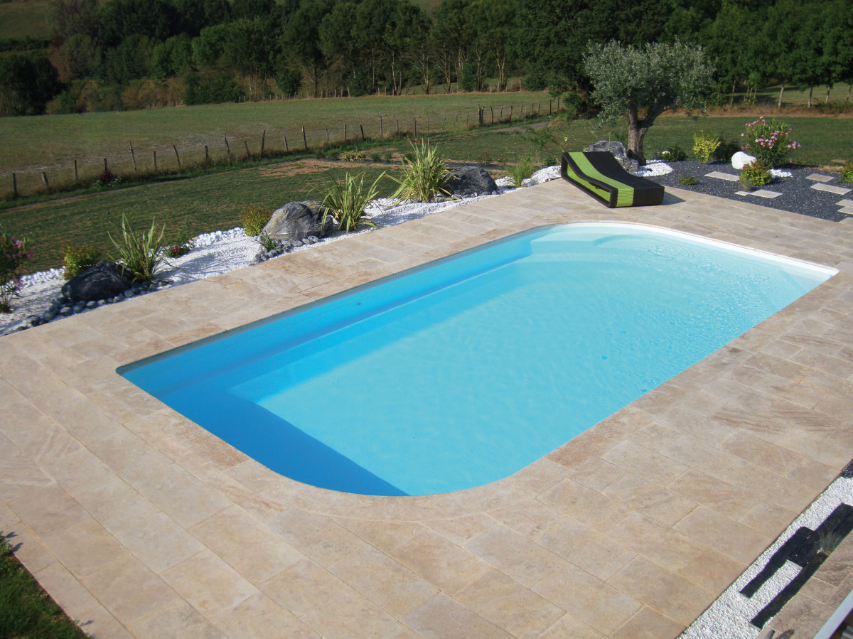 Votre sp cialiste de la piscine coque polyester nevers for Construction piscine bourges
